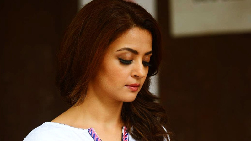 Surveen Chawla Fraud Worth Rs 40 Lakhs